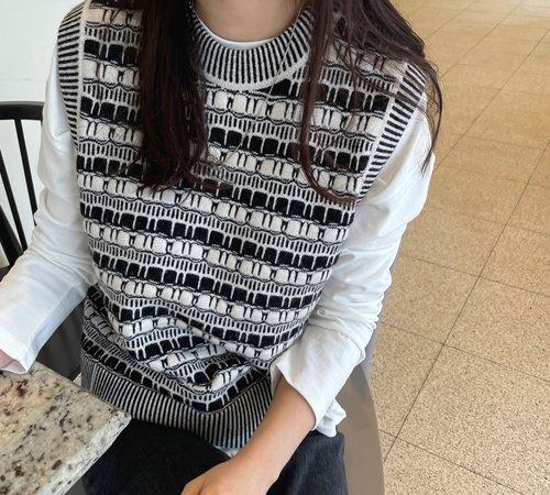 theozzang-마그넷 패턴베스트♡韓國女裝外套
