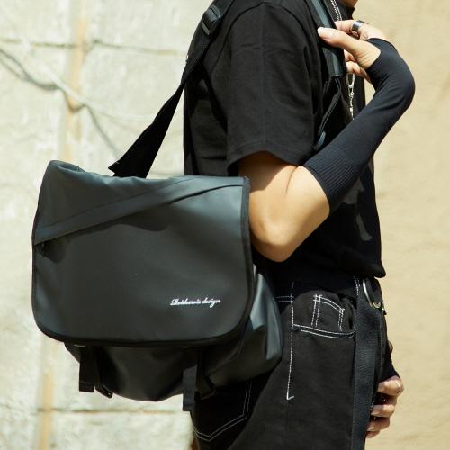 fairplay142-[ NEEDED MESSENGER BAG (JET BLACK)]♡韓國男裝袋