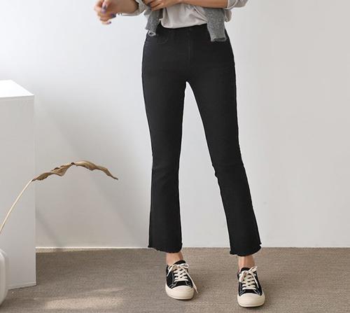 beige blanc-블리 세미부츠컷 밴딩 블랙 팬츠]♡韓國女裝褲