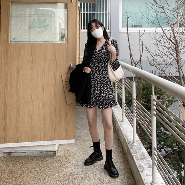 sonyunara- 에이미 플라워 셔링 퍼프소매 브이넥 원피스♡韓國女裝連身裙