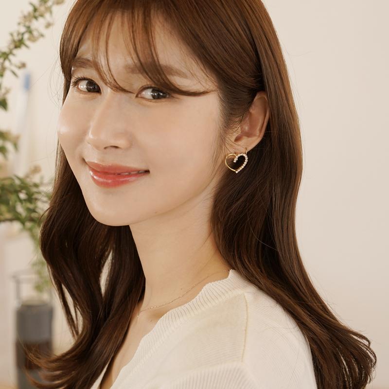 clicknfunny-[셀젠 큐빅하트귀걸이]♡韓國女裝飾品