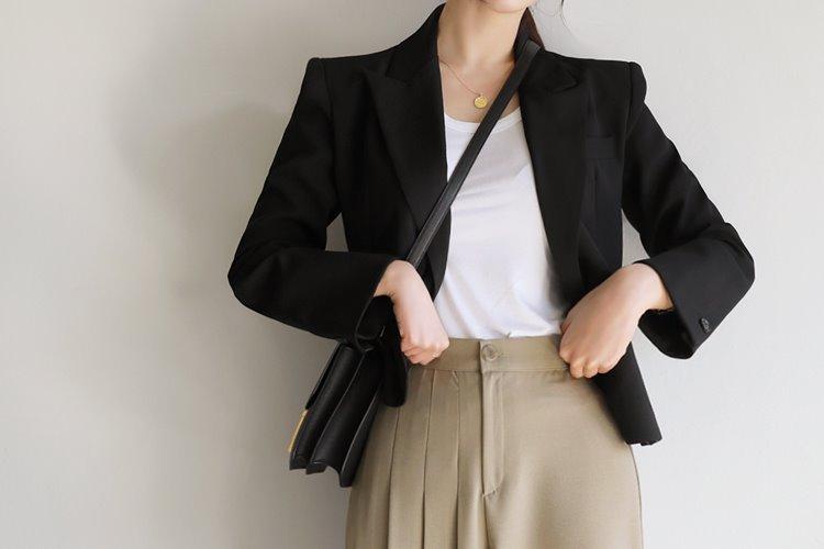loveparis-NEW★8%할인 3/10(수)부터 정상가79,000원(black) 셀럽 데일리 크롭자켓♡韓國女裝外套