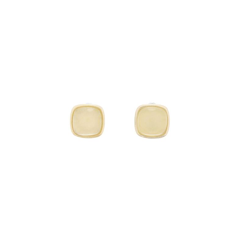 attrangs-ac4977 엔틱한 느낌의 입체적인 골드 프레임 볼드 티타늄침 이어링 earring♡韓國女裝飾品
