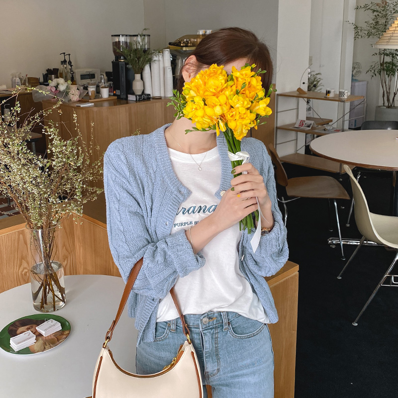 attrangs-cd1786 파우더리한 색감으로 사랑스럽게 완성된 데일리 라운드넥 니트 가디건 knit♡韓國女裝外套