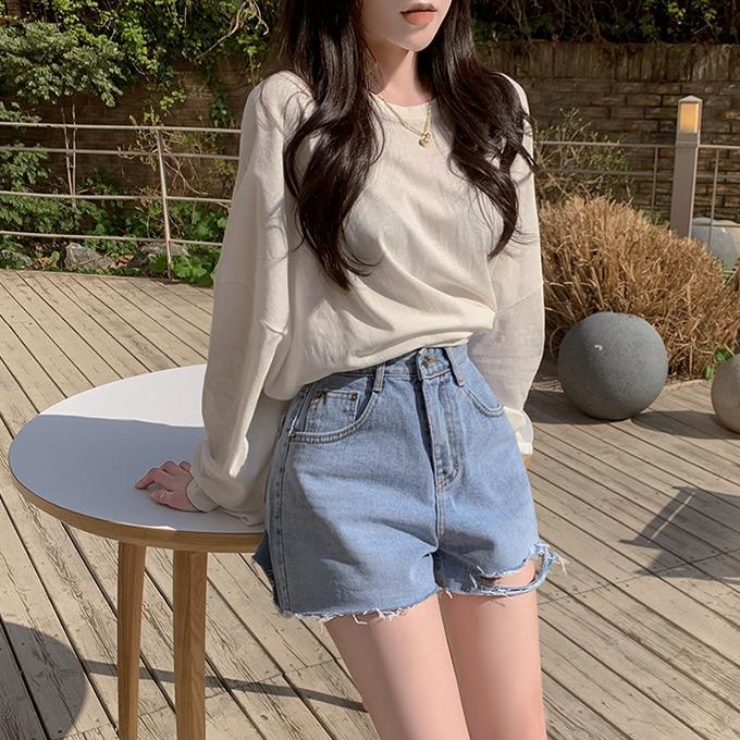 henique-청량한 분위기 데미지 트임 숏팬츠 반바지 (연청)♡韓國女裝褲