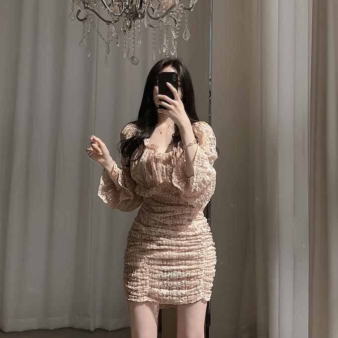 henique-햇살요정 레이스 퍼프 소매 셔링 오프숄더 미니 원피스 (핑크/블랙)♡韓國女裝連身裙