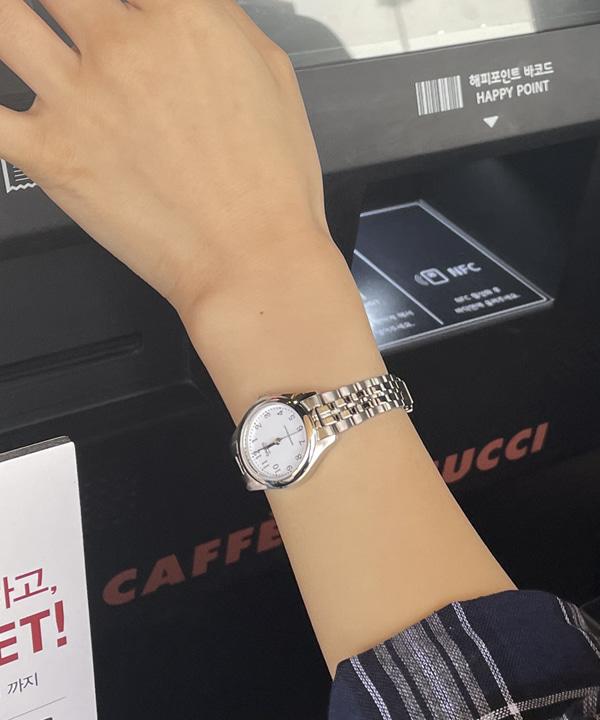 loveloveme-[카시오] 화이트 라운드시계 | 럽미♡韓國女裝飾品