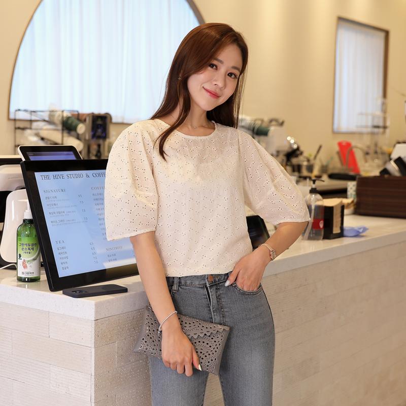clicknfunny-워런드 펀칭블라우스♡韓國女裝上衣