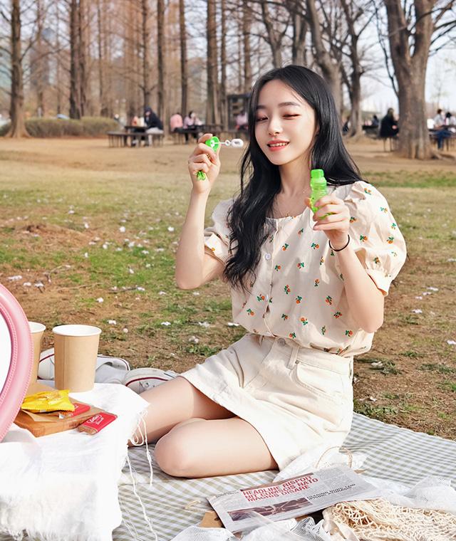 kikiko-잔꽃스퀘어반팔BL♡韓國女裝上衣