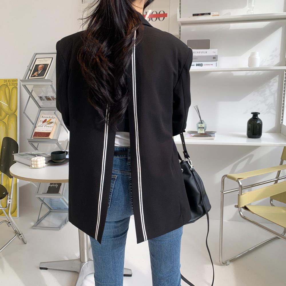 uinme-컬러 라인 트임 자켓 - [ 2color ] - 유인미컬러 라인 트임 자켓 - [ 2color ] - 유인미♡韓國女裝外套