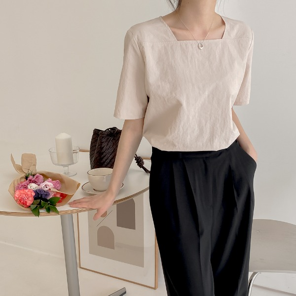 realcoco-[REALPRICE 20%] REALMADE 두근 스퀘어 반팔 블라우스(19,000→15,200won)(데일리/데이트룩)♡韓國女裝上衣