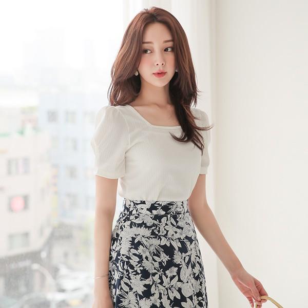 ode-[펀칭 골지 스퀘어넥 퍼프소매 티셔츠]♡韓國女裝上衣