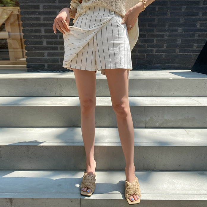 dabagirl-핀스트라이프린넨팬츠_D2PA 데이트룩 여친룩 데일리룩 30대여성쇼핑몰 20대여자쇼핑몰 키작은여자쇼핑몰 여성의류쇼핑몰 블랙팬츠 아이보리팬츠 스트라이프패턴 린넨팬츠 하이웨스트 반바지♡韓國女裝褲