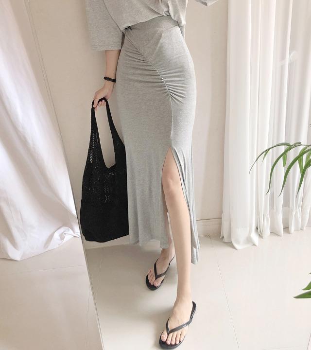 uniqueon-레이온 모찌스판 찰랑찰랑 셔링 슬림핏 트임 롱스커트 [H0460]♡韓國女裝裙