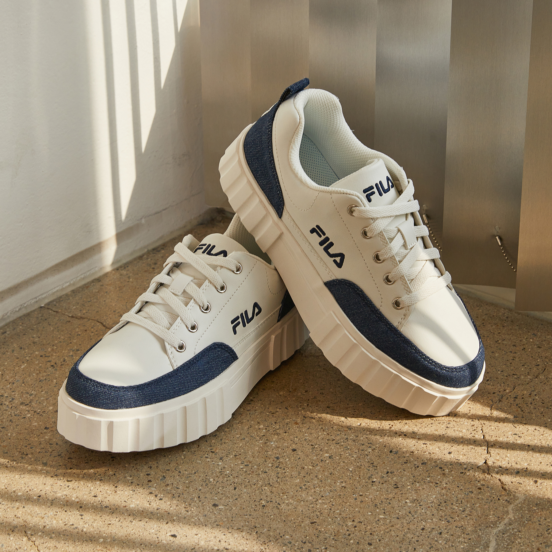 韓國FILA  SAND BLAST ROW CV餅乾鞋 (藍白色)
