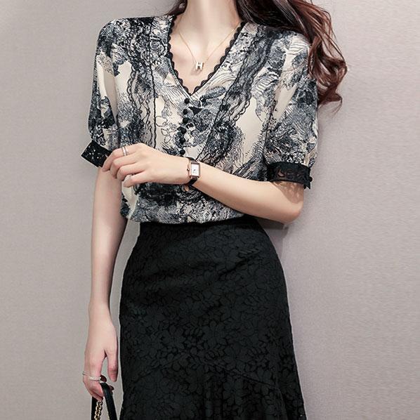 fashion-full-황후 레이스 브이넥 블라우스(TIME SALE 20%)♡韓國女裝上衣