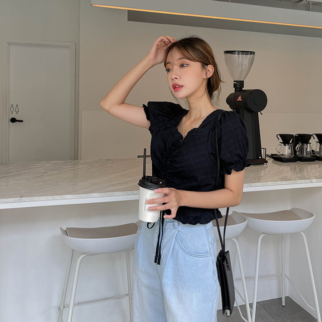 sonyunara-어거스트 셔링 크롭 반팔 블라우스♡韓國女裝上衣