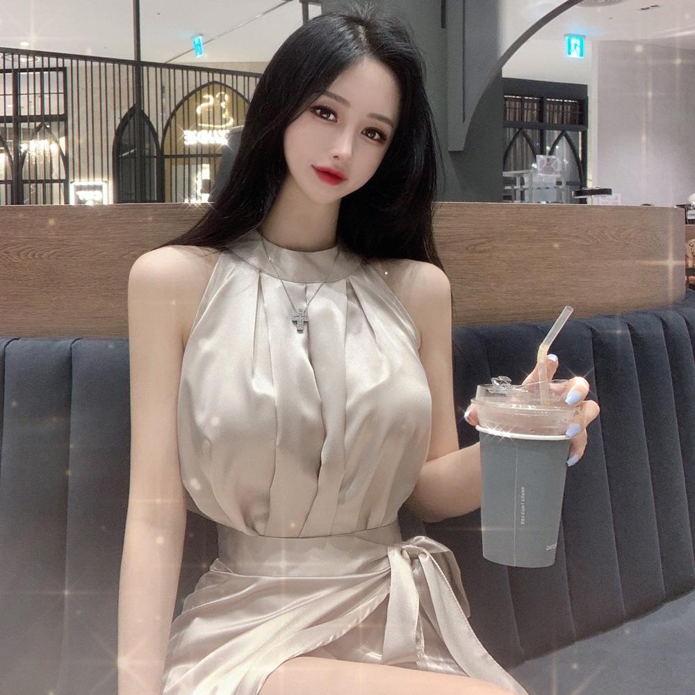 uinme-샤이닝 글로시 홀터 블라우스 - [ 4color ] - 유인미샤이닝 글로시 홀터 블라우스 - [ 4color ] - 유인미♡韓國女裝上衣