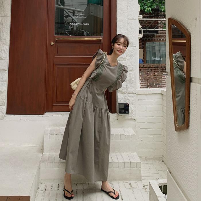 theresheis-이로아 프릴 롱 원피스♡韓國女裝連身裙