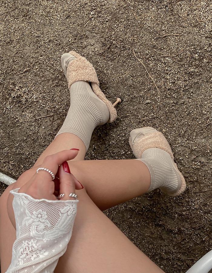 maymay-뚜띠 양털 오픈뮬♡韓國女裝鞋