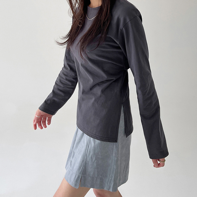 banharu-반하루[[ODOM] 백슬릿 옆트임티 - 차콜]♡韓國女裝上衣