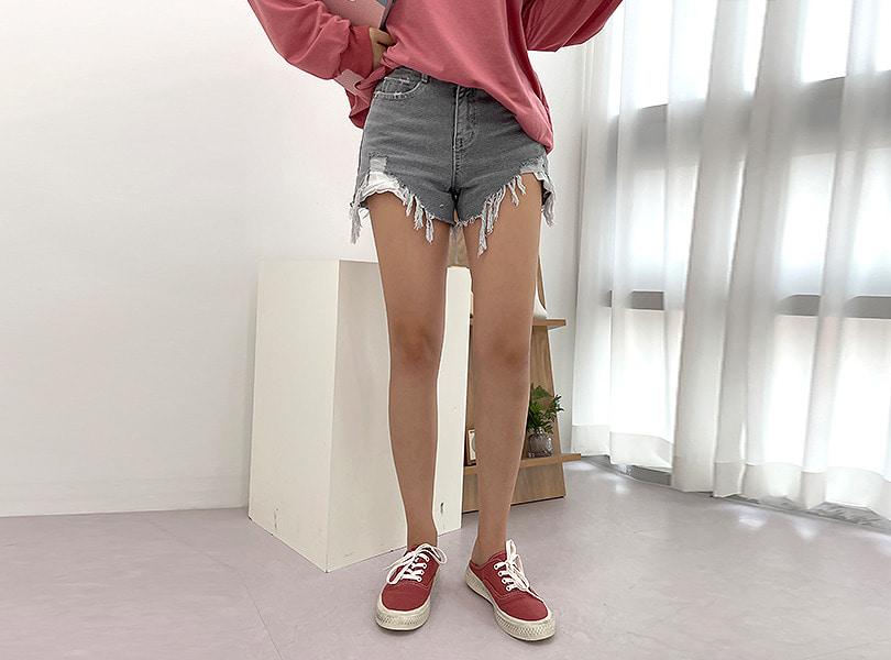 uuzone-톤다운된 매력적인 디테일 숏팬츠! 그레이숏팬츠 숏팬스 반바지 디스트로이드 컷팅팬츠 섹시팬츠 데일리팬츠 섹시룩 데일리룩 꾸안꾸룩♡韓國女裝褲