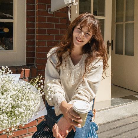 leelin-[순수 하늘 소매 레이스 맨투맨 티[size:F(55~66)]]♡韓國女裝上衣