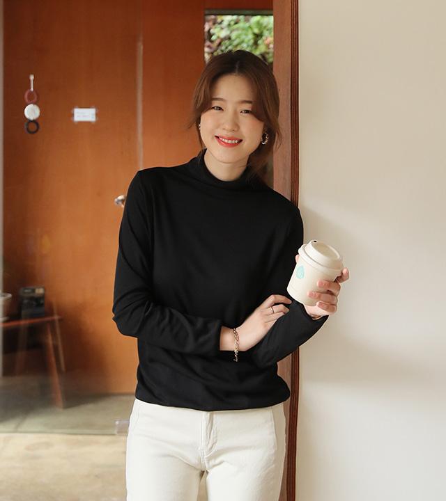 roompacker-룸페커 [소다 기모 테이핑 폴라 탑]♡韓國女裝上衣
