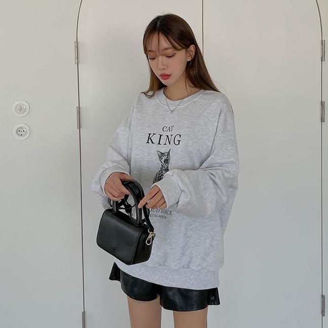 sonyunara-킹스캣 라운드넥 쭈리 박시핏 프린팅 남여공용 맨투맨♡韓國女裝上衣