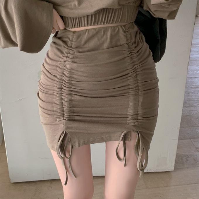 henique-마이셀피 라운드 맨투맨 크롭 티셔츠 스트링 미니 밴딩 스커트 투피스 세트 (브라운/블랙/그레이)♡韓國女裝套裝
